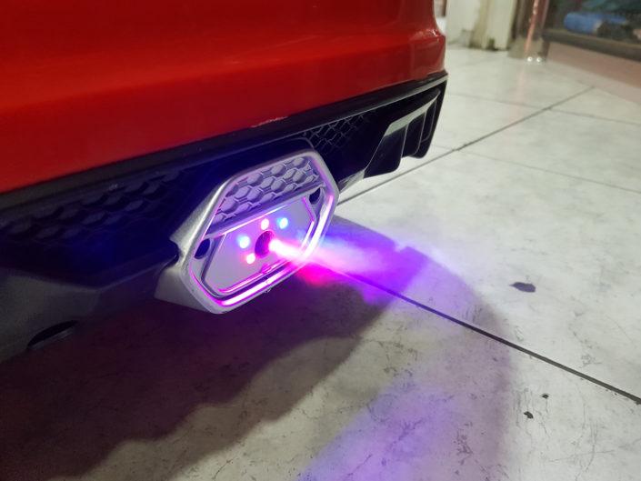 Εφέ καπνού απο άτμιση νερού στο παιδικό Audi